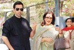 Bollywood folk cast their vote