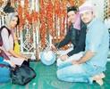 Mugdha Godse visit Ajmer Dargah before her Film's Release